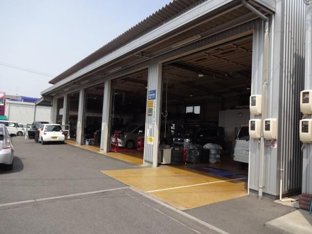 指定工場で、車検も修理もテキパキ行います。
