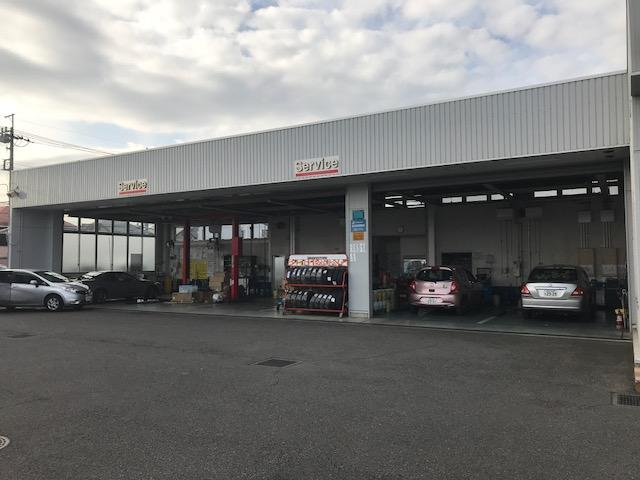 運輸支局に認められた指定工場のため、店舗にて車検整備が可能です。