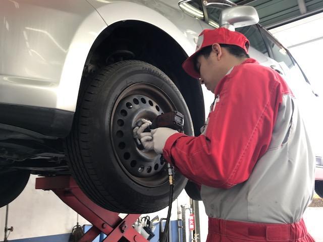 最新の設備にてお車の整備を実施致します。
