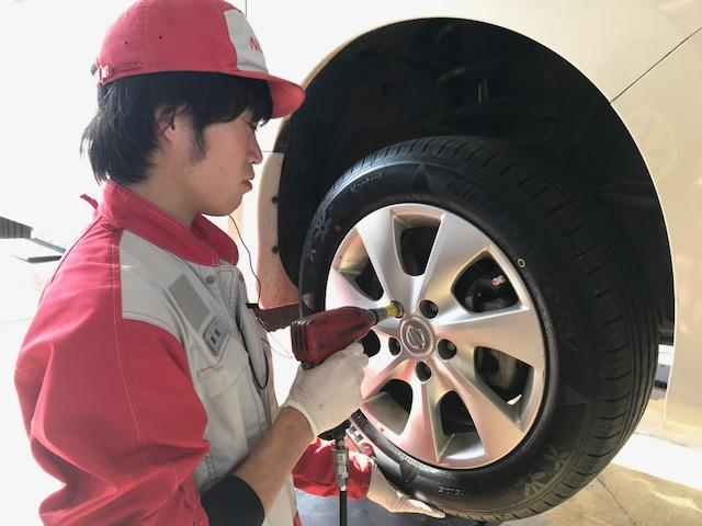 タイヤはランフラットタイヤも対応可能です。タイヤ保管サービスもございます。