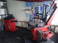 軽自動車からSUV車まで専用のタイヤチェンジャーも用意してあります! タイヤ交換ご相談ください!