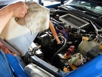 ご購入して頂きましたお車のオイル&タイミングベルトの交換お任せ下さい!しっかり整備してお渡しします。