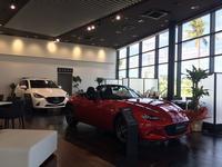 気持ちの良い走りエモーショナルなデザインといったマツダ車の魅力を引き出すショールームとなっています。