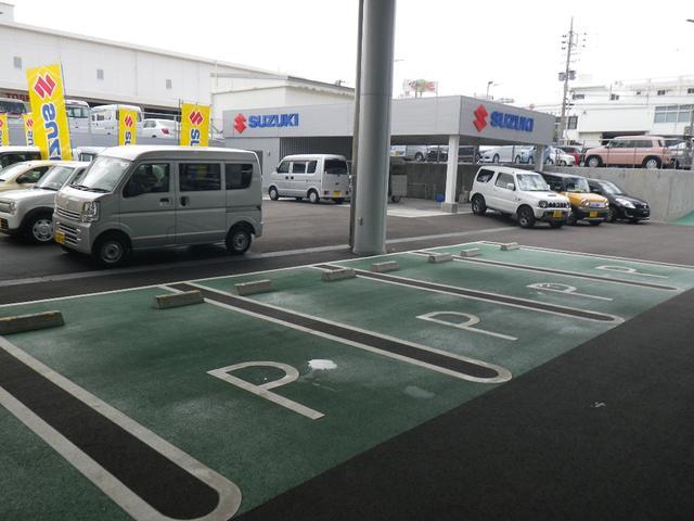 駐車場スペースも広々取っております、いつでもご家族ご友人と誰とでもお越し下さい♪