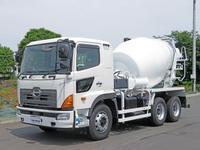 特殊車輌、高年式車輌、過走行、低年式等様々なトラックを取扱い!  中古トラックも積極的に買取中!!