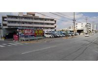 沖縄の中古車販売店 PARTY FACE GARAGE(パーティフェイス)琉大前店