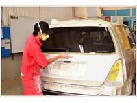 車検のコバック、中部自動車では鈑金設備が整っており、 自社で鈑金修理ができる体制を整えております。