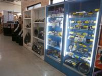 マンガ倉庫 浦添店1Fで自動車部品を販売しています!是非、ご来店ください!