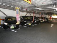 自動車も2F駐車場にて展示しております。 お気軽にご来店ください。