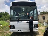 教習バス担当 島袋