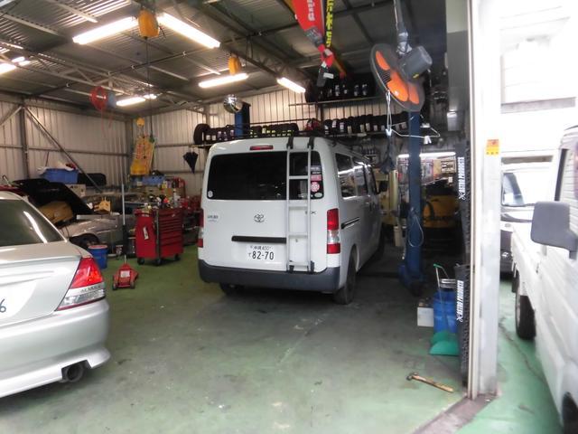 整備認証工場の充実した設備でハイブリッドから最新の車もお任せください。