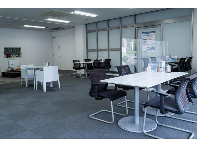 Wifi環境も整った明るい商談スペースと安全なキッズスペースをご用意しております。