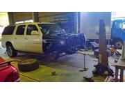 お車のボディの補強・修正の事ならお任せください。