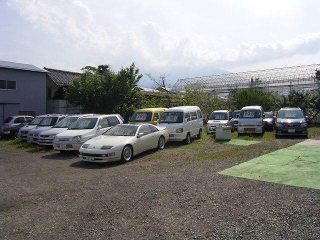 軽自動車から普通車、商業車まで幅広く取り扱っております。