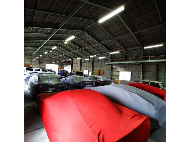 メルセデスベンツW220のV12気筒エンジンのシリンダーヘッド脱着等の重整備等もお任せいただけます。