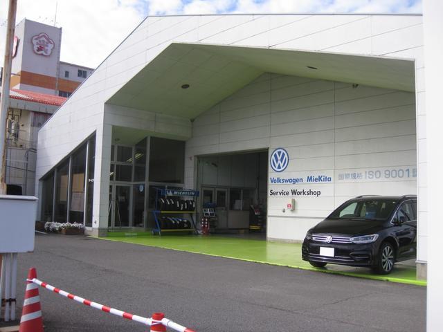 サービス工場ではフォルクスワーゲン専属マイスターがしっかりとお客様の大切な愛車を診断させて頂きます。