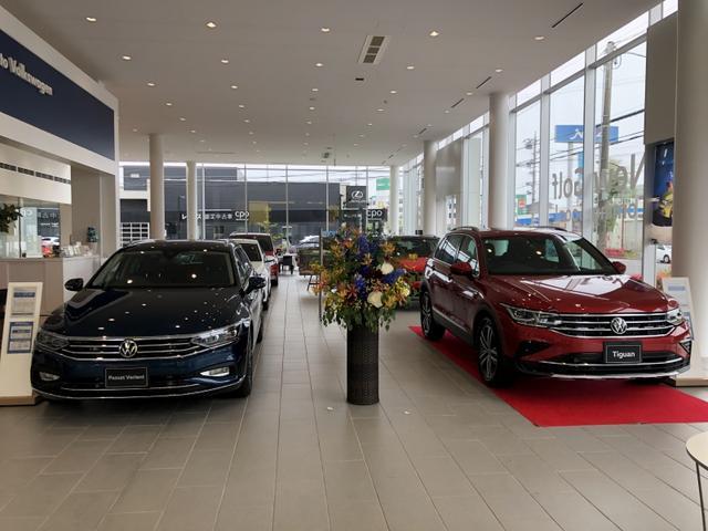 VW認定中古車国内屈指40台以上の品揃えです。グループ在庫も豊富にございますので一度お越し下さいませ