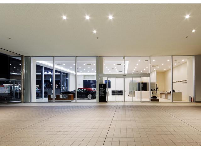ショールームは、錦通直近で、市内を東西を貫く名古屋環状線に面した場所に設けております。