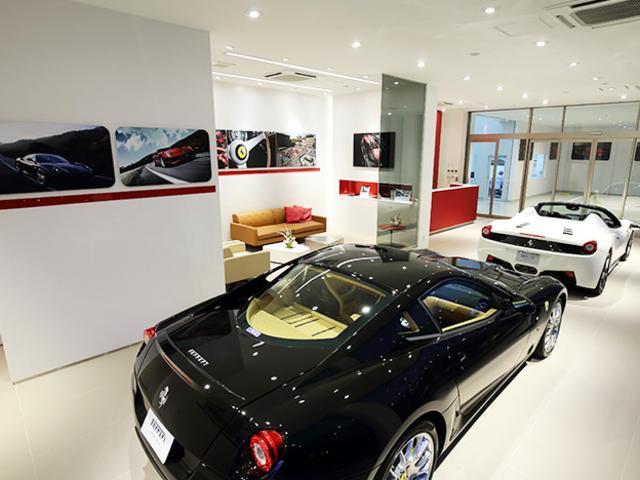 ニコルグループで培われた実績で、厳選されて仕入れた車両のみを展示しております。