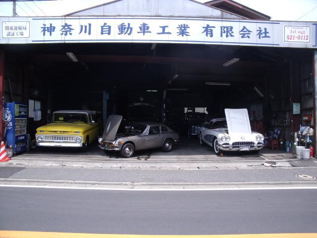 専門店として、たくさんの輸入車を扱ってきました。プロの目で厳選したお車をご確認ください!