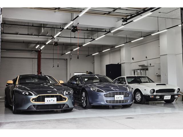 サービス面では自社の認証工場を東京都品川区に設立し全ての年代の車両サポートをおこなっております。