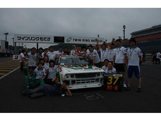 ランチアクラブジャパンチームのアイドラーズ12時間耐久レースのサポートを行っています
