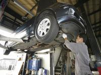 自社認証工場にて、車検整備、一般修理等をお客様立ち合いで見積もりを作成致しますのでご安心下さい
