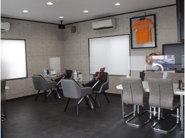 AVIX IMPORT 川崎生田店 (株)アビックスコーポレーション ヤナセ販売協力店(2枚目)