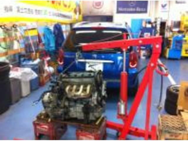 プジョー307エンジン載せ替えです!フランス車もお任せください!特にプジョーは大歓迎です!