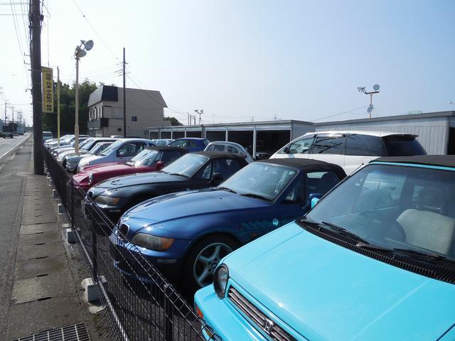 在庫は常時30台以上ございます。希少な国産車から希少な輸入車まで見に来るだけでも楽しいですよ♪