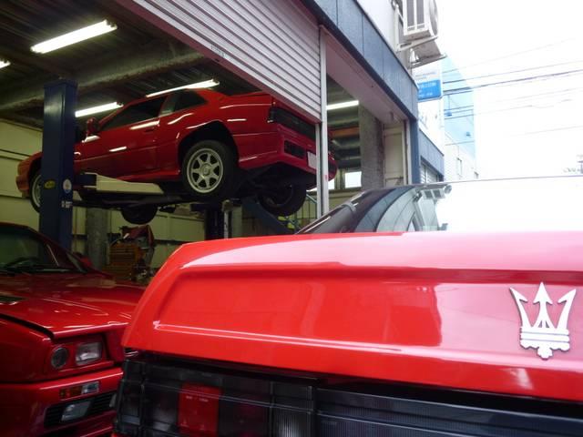 """メイン取扱車種は旧いイタリア車、8割以上が""""ビトルボ(ツインターボ)""""エンジン搭載のマセラティです。"""