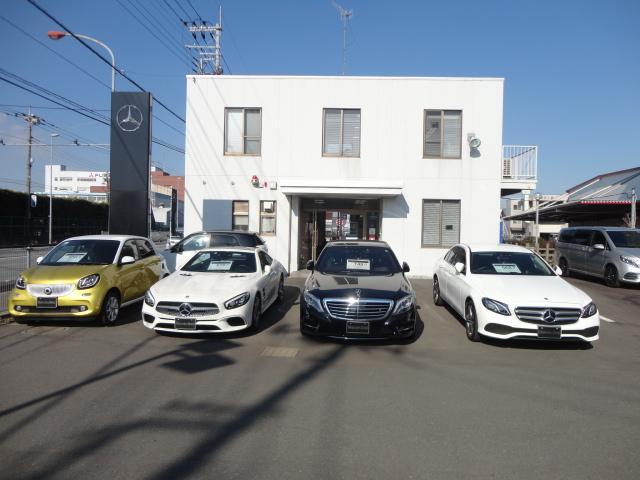 スタッフが厳選した希少車や特選車両、お求めやすい価格でご提供します。