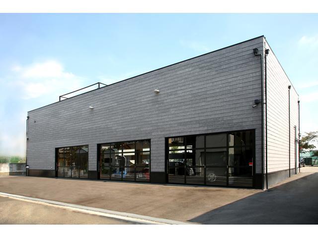 クローバーワールドカーセールス都筑店の店舗画像
