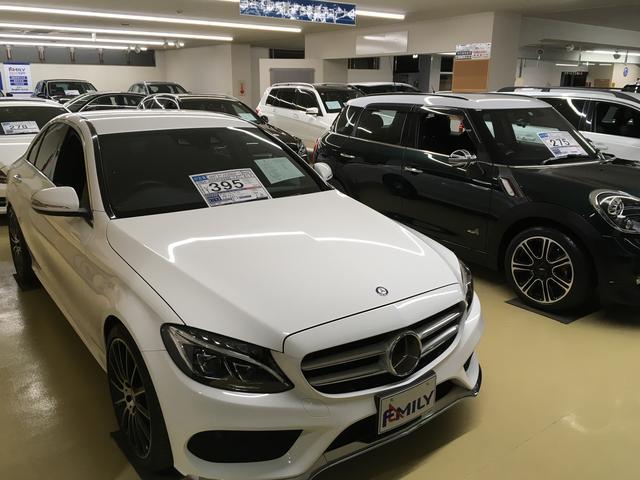 屋外展示場でも国産・輸入車問わず、多数の良質車を展示しております!ご用命頂ければ、ご試乗も可能です!