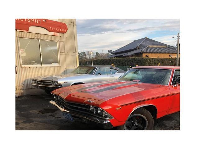 GM、FORD、リンカーン、クライスラーなど旧車から現行車まで車輌をズラリと在庫しております!