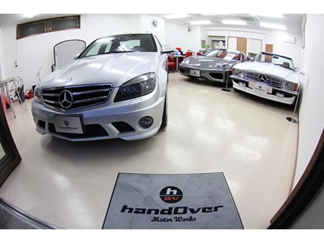 室内展示となりますので、お車をご覧になりながらゆっくりとおくつろぎください。