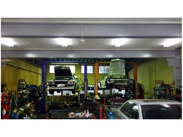 提携工場にて日常整備や車検もお任せ下さい!希少車もお気軽にご相談下さい。