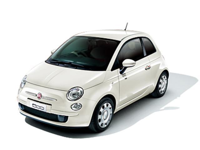 【フィアット新車】全天候対応の屋内展示上で、新車とお比べいただくことが出来ます。