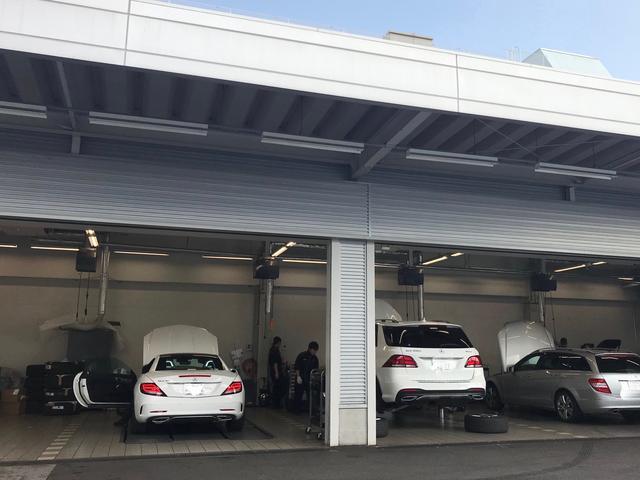 大通りに面した店舗、すぐ近くにメルセデス・ベンツ名古屋緑店,サービス工場もあり、整備も安心です
