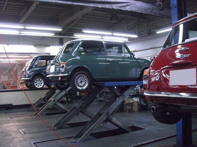当社は認証工場を完備しております。輸入車全般おまかせください!