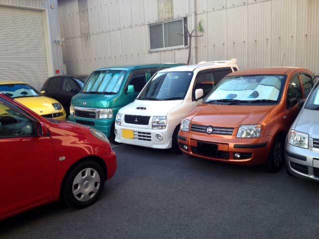 お客様の暮らしに彩りをプラス出来る様、使い勝手の良さと品質を重視したお車を揃えております。