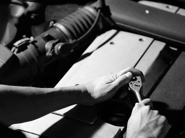 Car repair知識と修理経験を持ち合わせたスタッフが対応します。