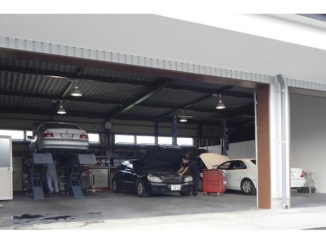 自社整備工場完備。一般整備から車検まで何でもご相談下さい。