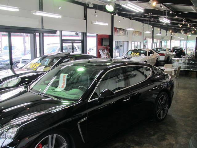 ポルシェパナメーラ・カイエンなどの欧州車の輸入もお任せ下さい。ご希望のお車を世界各地から輸入致します