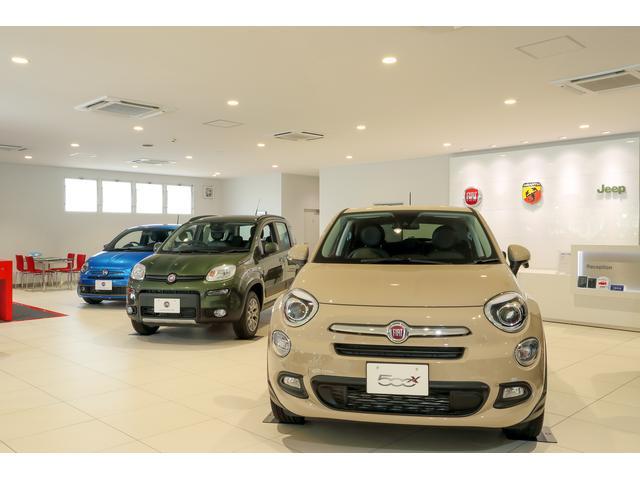 ショールームにはFIAT 500(チンクチェント)をはじめ最新のイタリア車を展示しております!