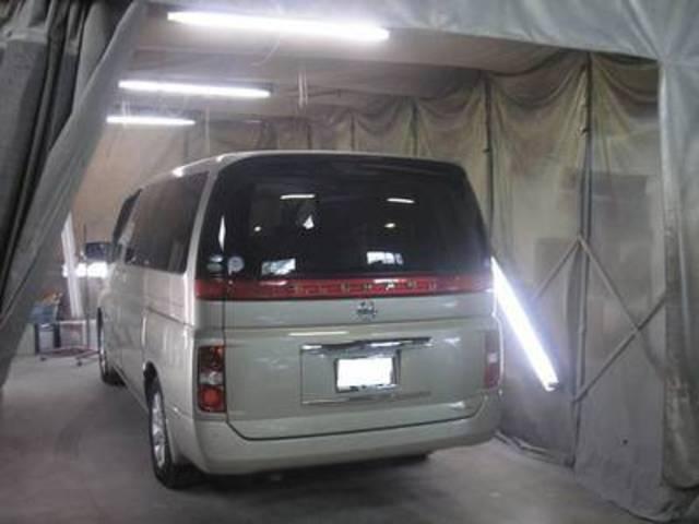 鈑金塗装も行っております。車検時に気になるキズやへこみをお気軽にご相談下さい。