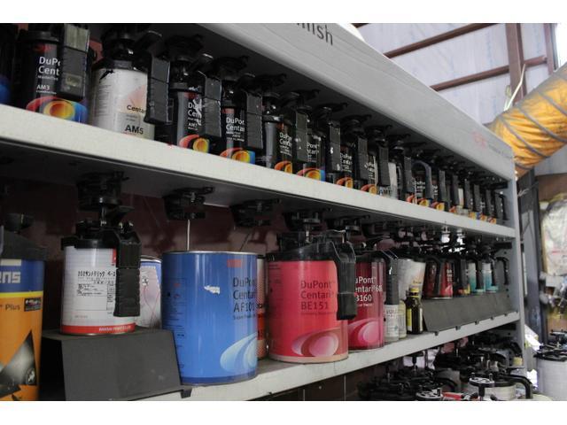 塗装ブース完備で、国産全メーカーのボディペイントに対応しております。