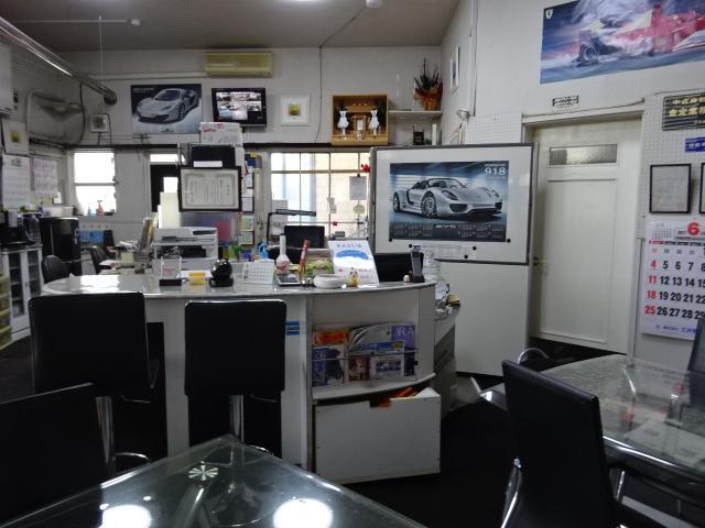 車のプロ、整備のプロがお客様の立場で考えご提案致します。