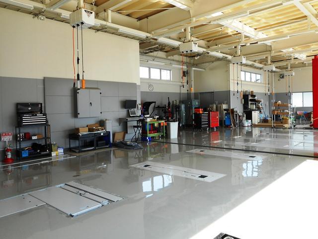最新設備の整備工場!プジョーサービスポイント開設!